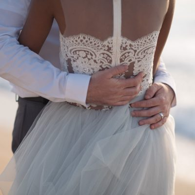 beach elopement ceremony in Crete