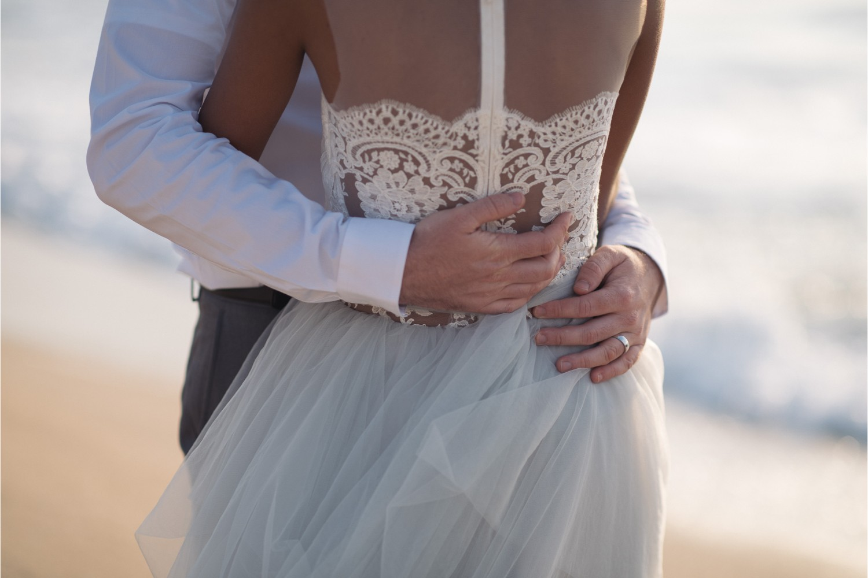 beach elopement ceremony in Crete