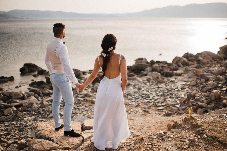 newlyweds photo session at seaside
