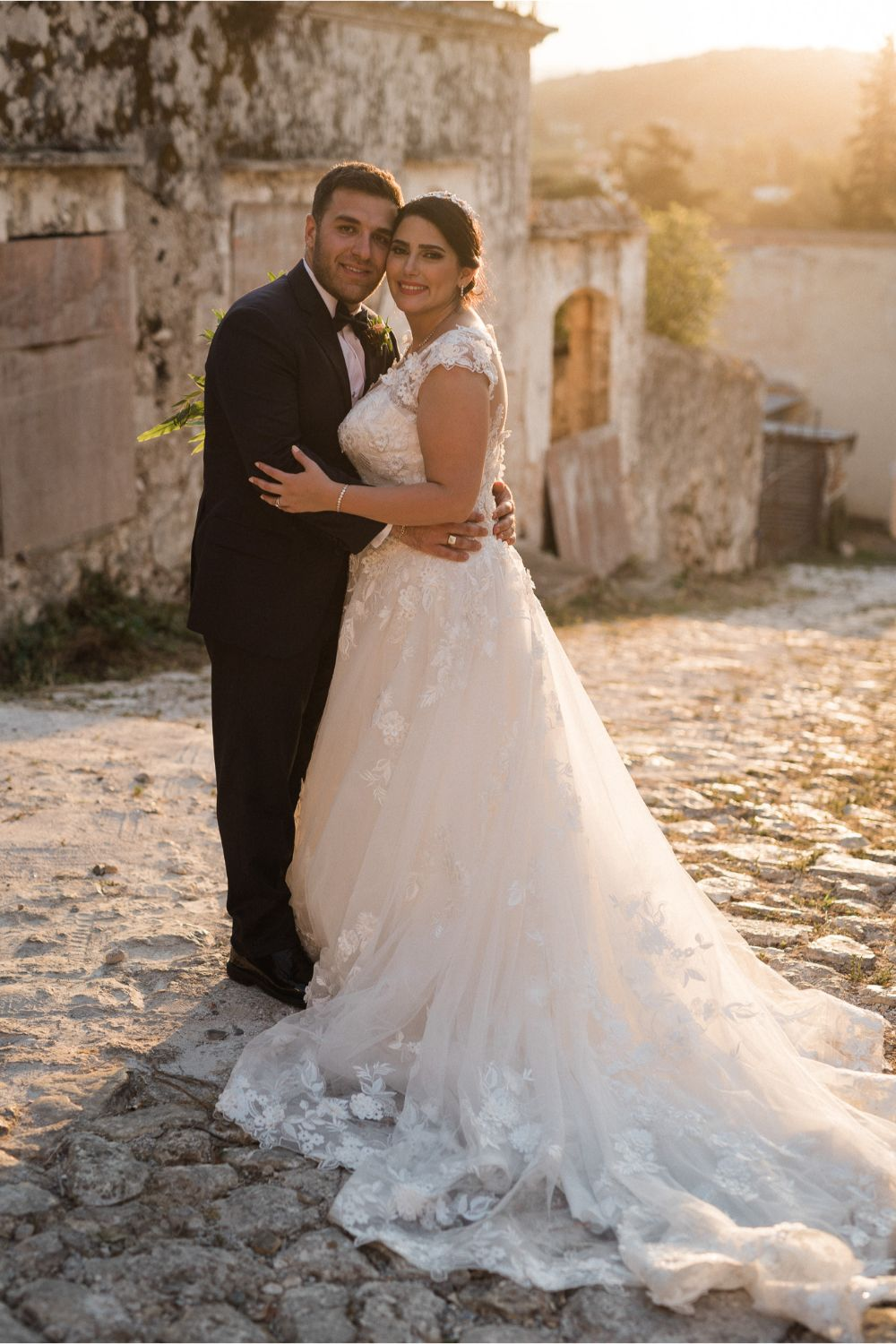 newlyweds photoshoot at rustic villa wedding in Crete