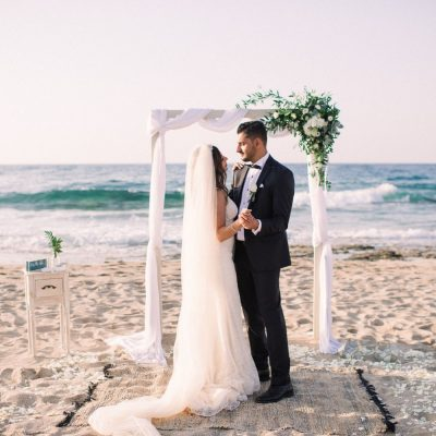 elopement on the beach in Crete