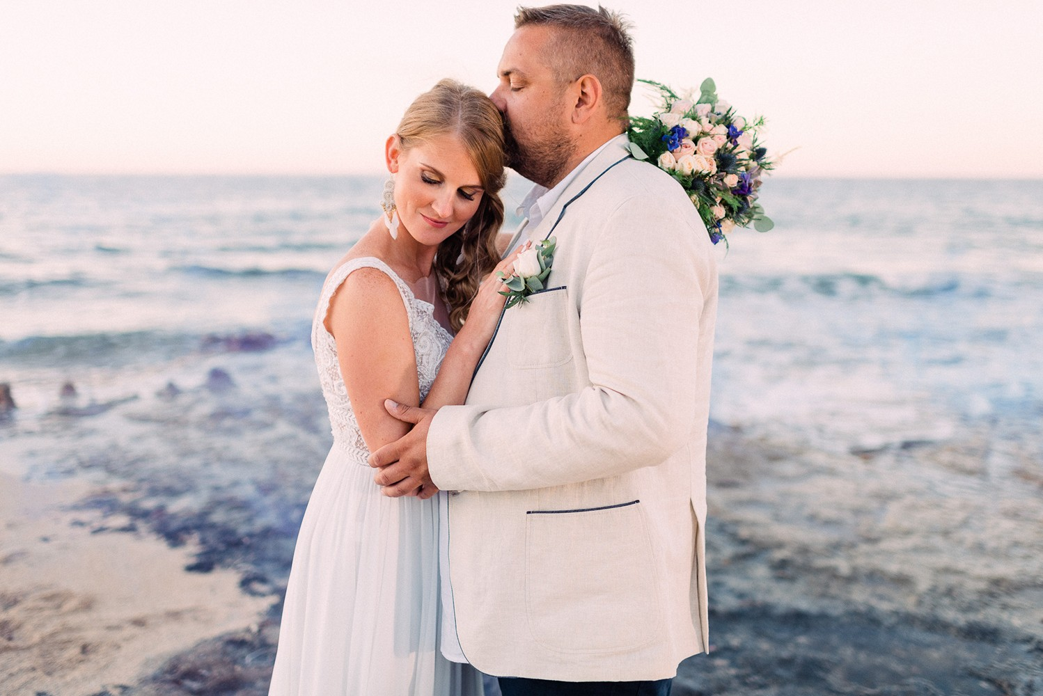Beach elopement in Crete